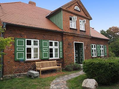 Ansicht_Haus_vorne_nah.jpg