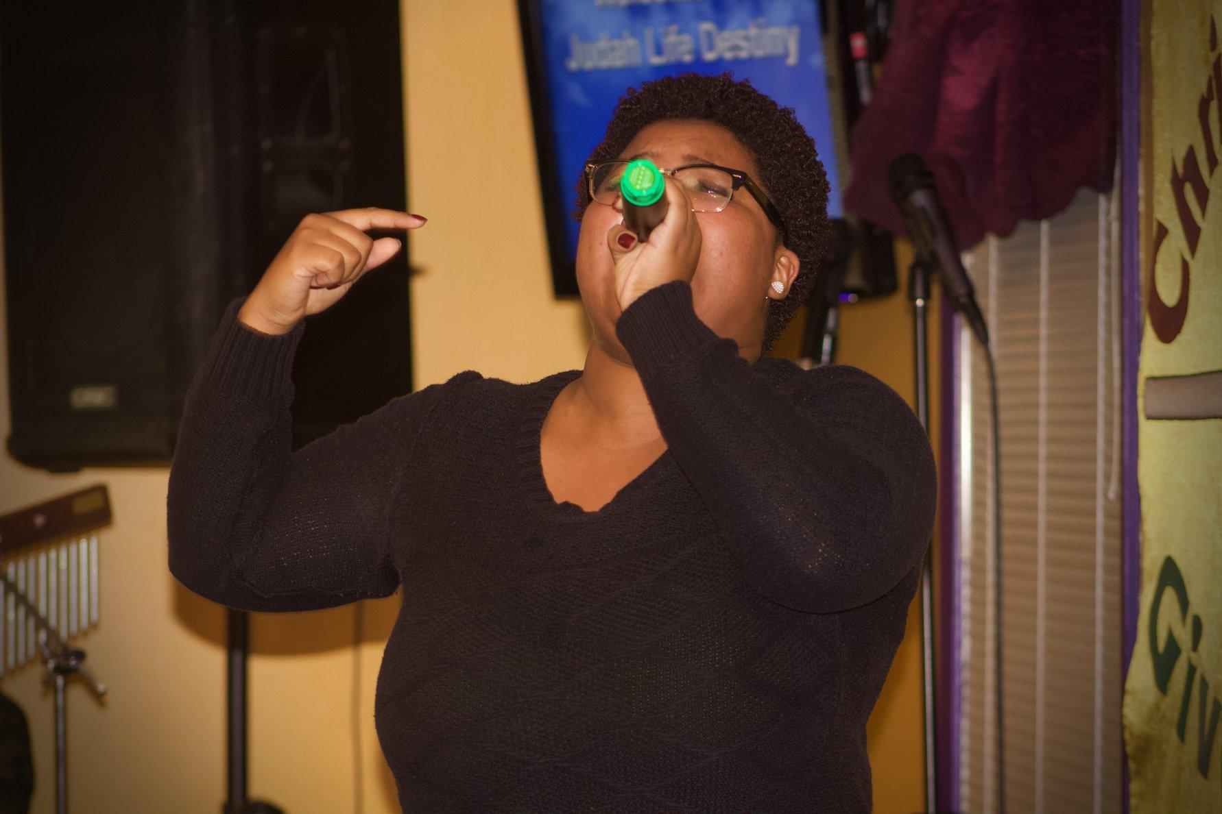 sing_laquisha