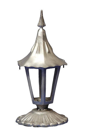 "Holland Fence Light, Small-  Ht 18""  4"" Rd Base"