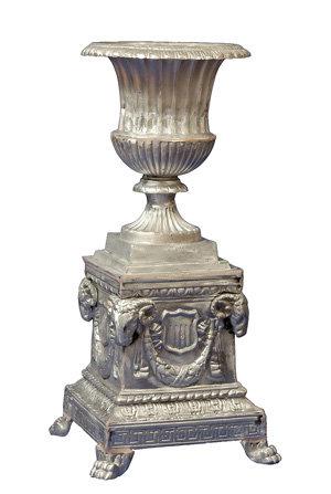 Venetian Urn with Presidential Base, Medium