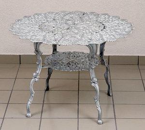 Daisy Table - Large