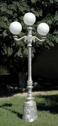 victorian_lamp_with_spiral_post_2_arm_3_