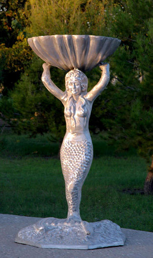 Mermaid Planter / Birdbath H. 45'' W.226''