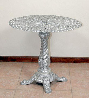 Hearts Bistro Table on Pedestal