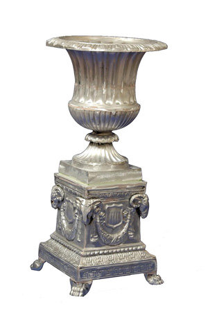 Venetian Urn with Presidential Base, Large