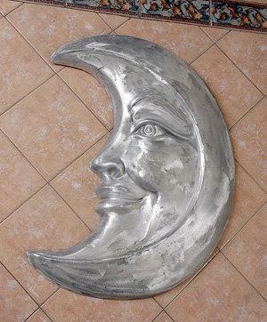 Half Moon w/Face