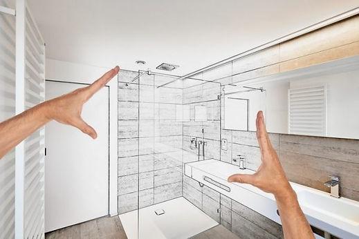 hände-mit-skizze-von-dusche-im-badezimme