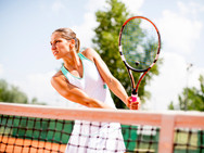 Tennis mit Voranmeldung und Gebühr
