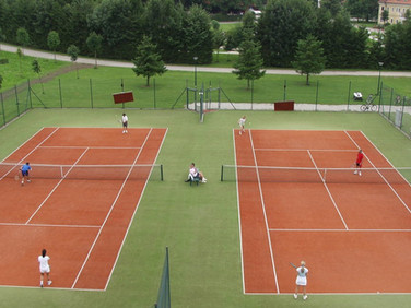 Zwei Tennisplätze beim Hotel