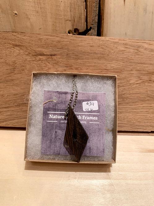 Natture's Touch Frames SK6 Barnwood Pendant Necklace (Diamond Nail Hole)