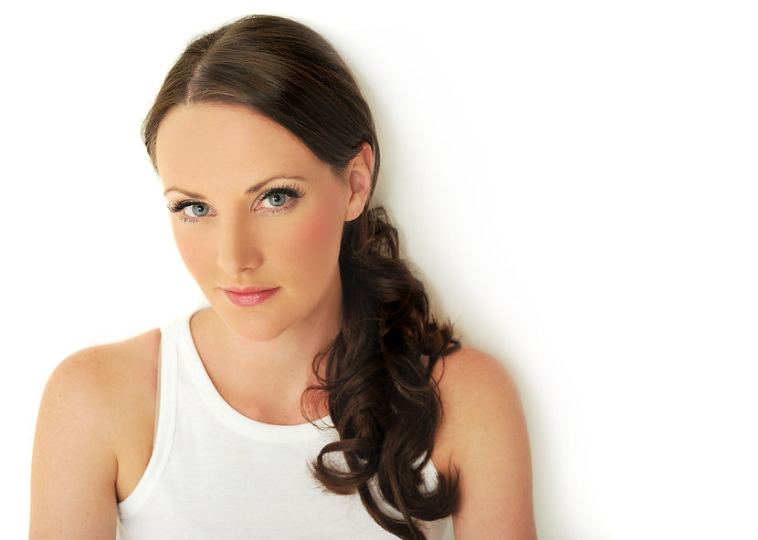 Actress, Singer, Voiceover, Vaccinated, Emcee, Dubai