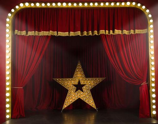 Stage Tutor Vocal Coach Lucy Hunter James Dubai London UK