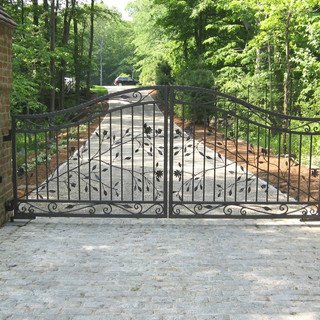 wrought-iron-entry-gate-flower-and-leaf-