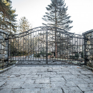 custom-wrought-iron-driveway-gates-tri-s