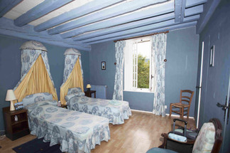 Room-_Les_Châteaux_350.jpg