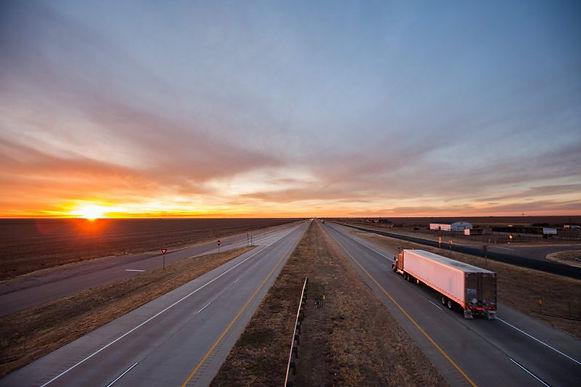 truck-open-road-800x533_c.jpg