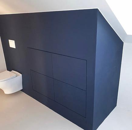 Mørkeblå mikrosement fra Dekorhuset