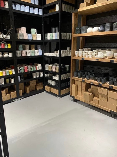 MIkrosement på gulvene til en av butikkene på Bærums verk