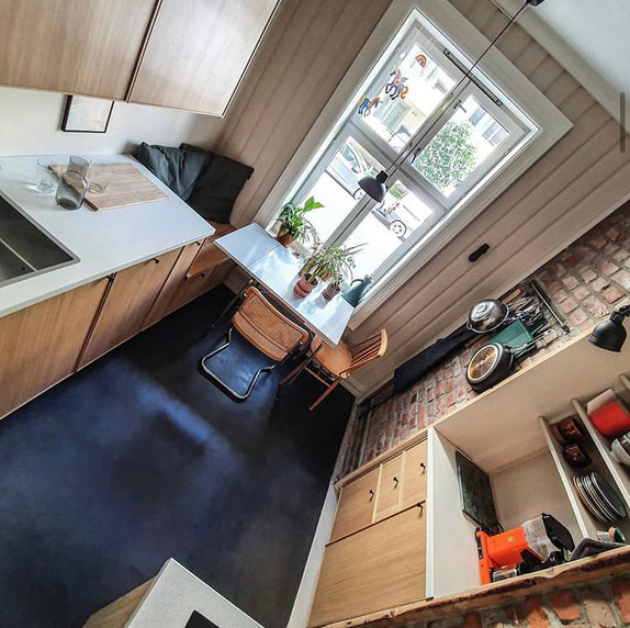 Mikrosement på kjøkkengulv
