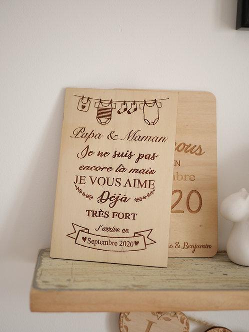 Carte en bois annonce bébé