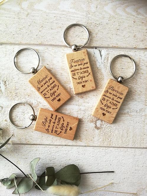 Porte clé gravé en bois annonce bébé