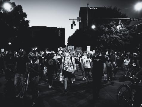 Consejos para hablar con tus hijos sobre las protestas y el racismo