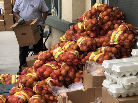 Farm Box Grab and GO Distributed over 3,000 Boxes to Residents in Compton
