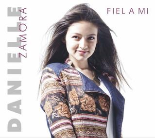 "Danielle Zamora presenta su segundo sencillo promocional ""Perfume"""