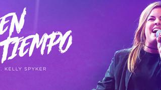 Kelly Spyker interpreta «Dios en todo tiempo», del álbum «Jesús salva»