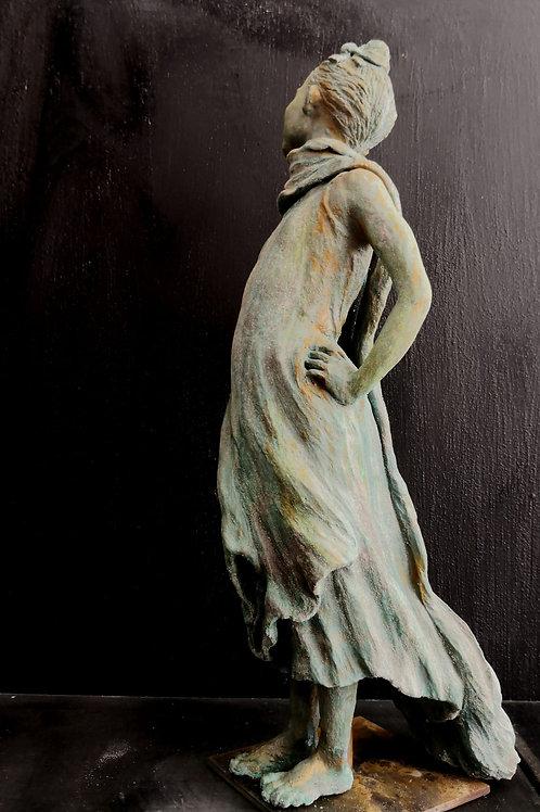 Fille à Arba Minch, sculpture en céramique, 30x 20x 20 cm