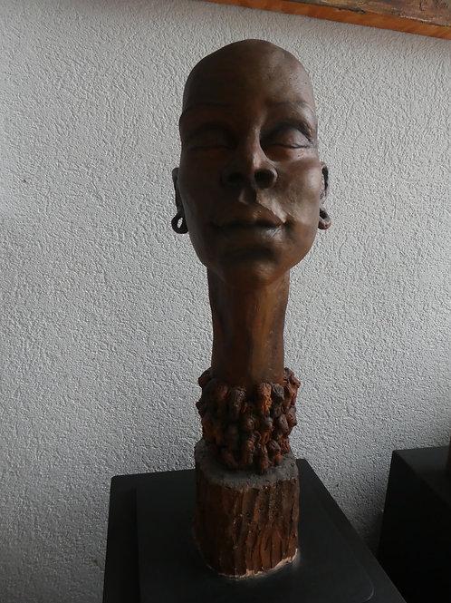 Femme africaine, 40 x 15 x 15 cm