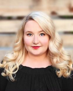Shannon Lowe (La Bourgeoise)