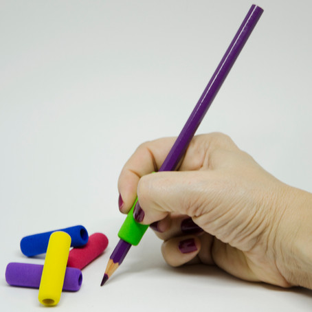 Stetro® e outros adaptadores para lápis: modelos escolares