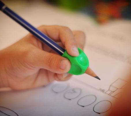 Adaptadores para lápis: grips escolares
