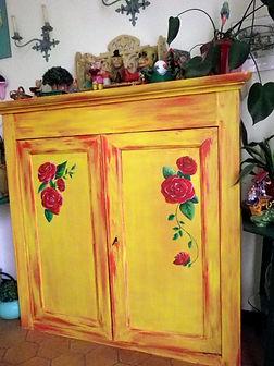 Meuble peint pour le Bazar de Roulottes