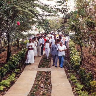 Inauguración y bendición del Jardín Botánico de Guayaquil en 1989.