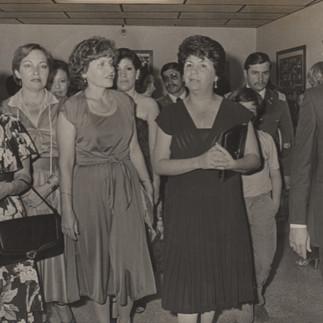 Miembros de la AEO junto a la primera dama de la Nación Martha Bucaram de Roldós - 1979.