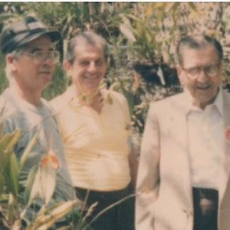 Arcadio Arosemena, Max Konanz y Lutfallah Kozhaya, en el primer orquideario del Jardín Botánico.