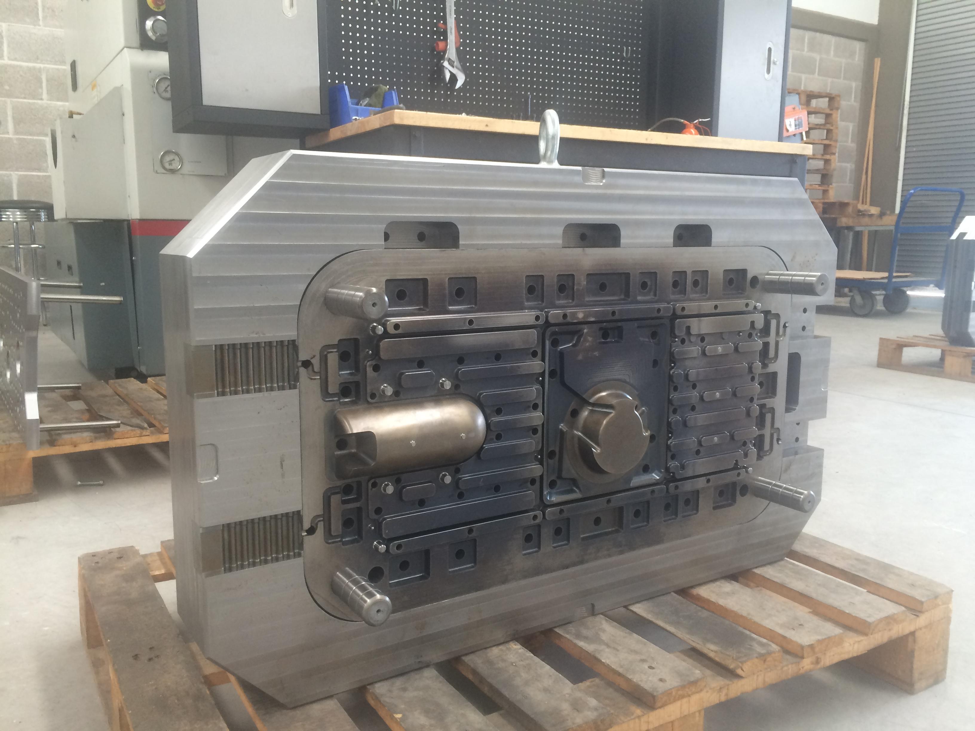 Molde die casting 600T