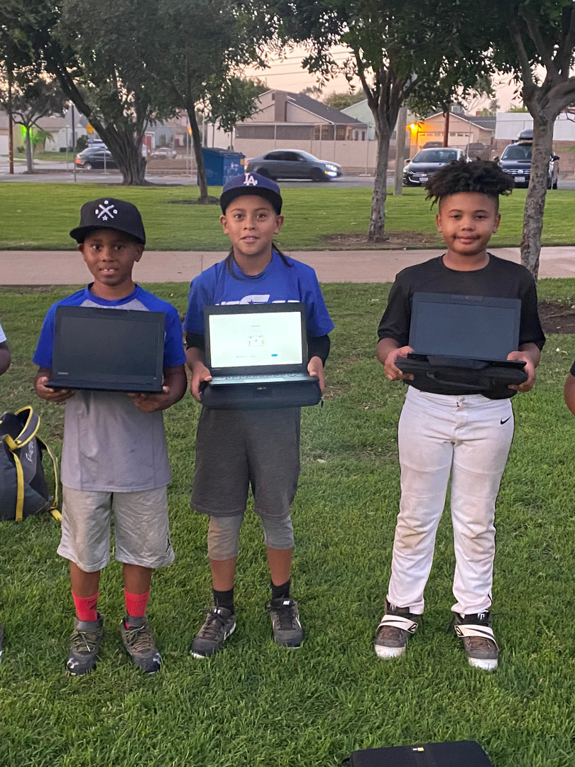 BBG Academy 10u players showing off thier new ChromeBooks