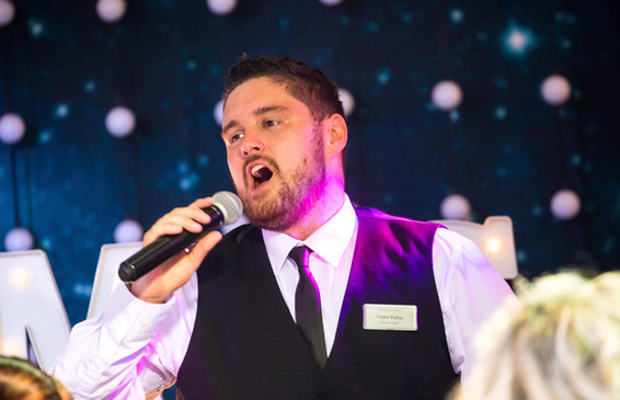 Elite Singing Waiters 3