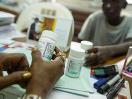 Novo site monitora leis e políticas de resposta à AIDS no mundo