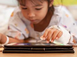 UTI Pediátrica do HUOC realiza campanha para compra de tablets destinados às crianças internadas com