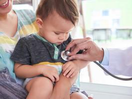 Dia do pediatra: não adie consultas ou vacinação do seu filho