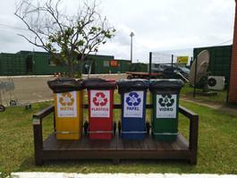 Projeto Jogue Limpo com Noronha realiza instalação de pontos de entrega voluntária de lixo