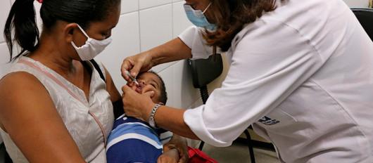 Recife estende horário de unidades de saúde na última semana da vacinação