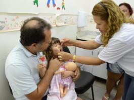 Mais de 100 mil crianças ainda precisam se vacinar contra pólio e sarampo em PE