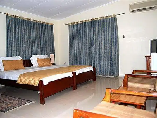 hoteL Furnished double Bed Room ,Accra