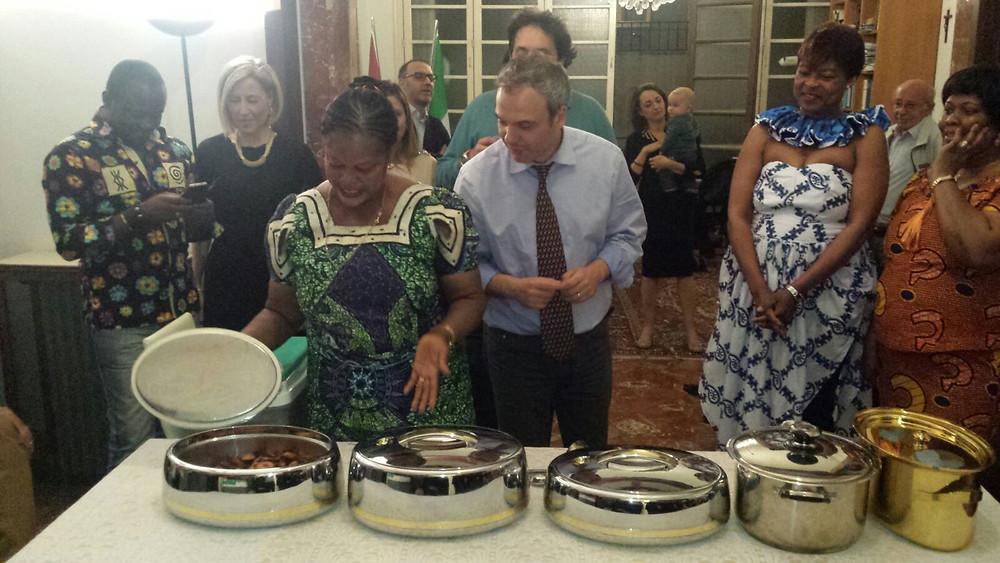 La cena ghanese presso la sede consolare del Ghana