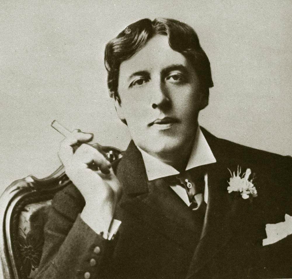 Oscar Wilde indossa una cravatta appuntata con nodo a Ruche (fine '800)